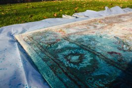 Overdyed Rug with RIT fabric dye DIY-12