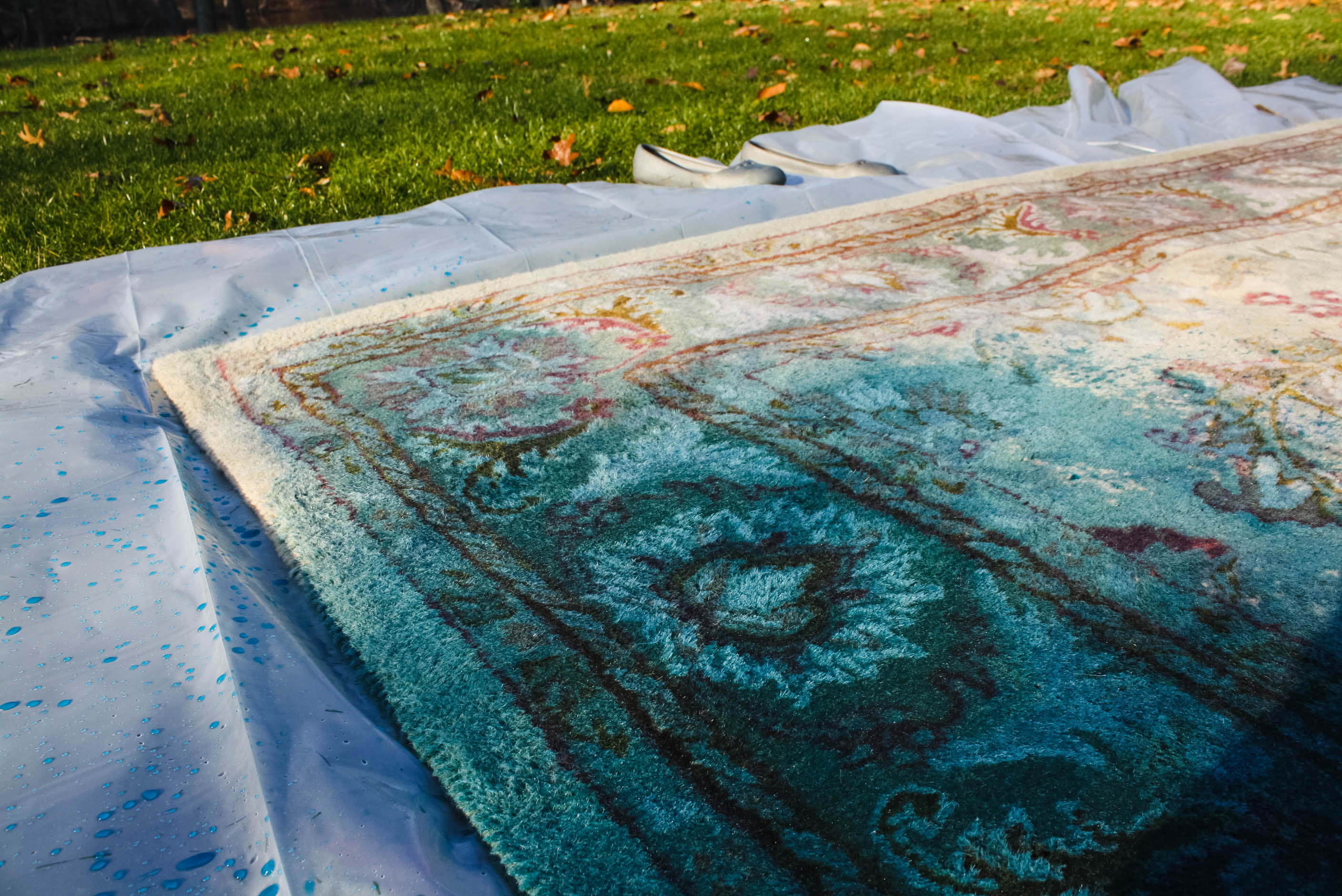 Charming Overdyed Rug With RIT Fabric Dye DIY 12