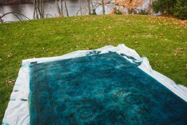 Overdyed Rug with RIT fabric dye DIY-19