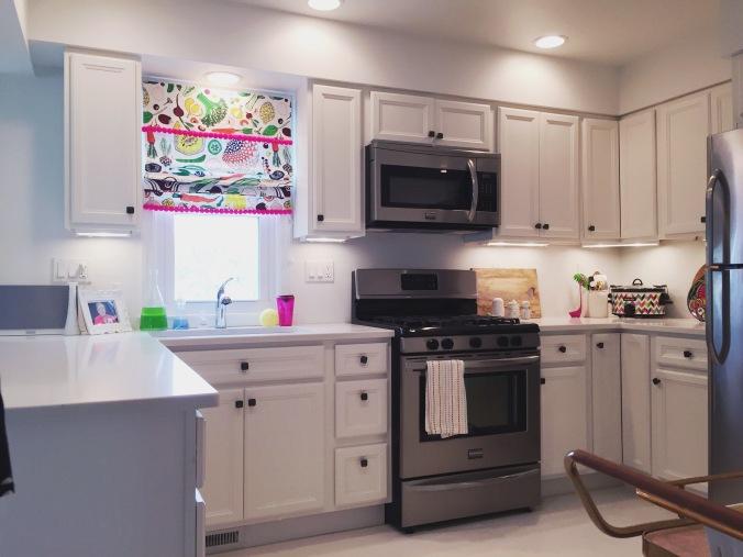 Tiny Kelsie's bright & kitschy kitchen (5)