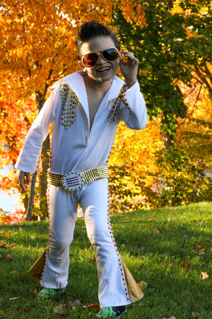elvis-costume-diy-white-jumsuite-rhinestones-belt-buckle