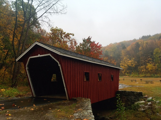 rainy-day-at-covered-bridge-at-kent-falls-state-park-in-litchfield-county-connecticut