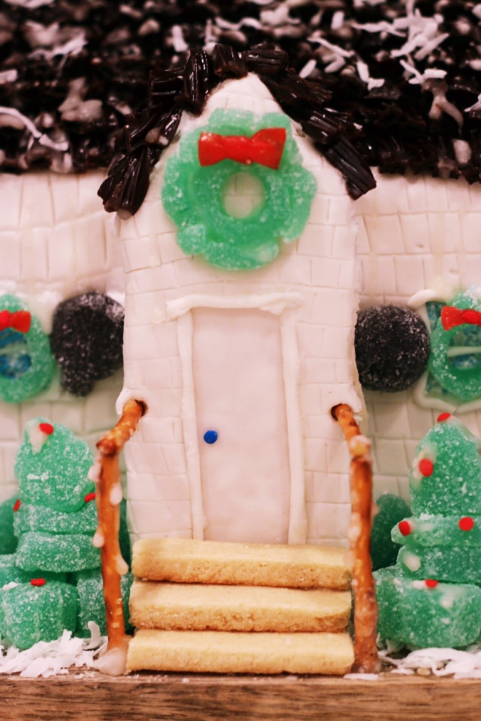 how-to-make-a-sugar-cookie-gingerbread-house