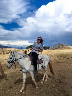 one-day-in-cusco-itinerary-horseback-to-sacsaywaman-alpacas-street-food-32