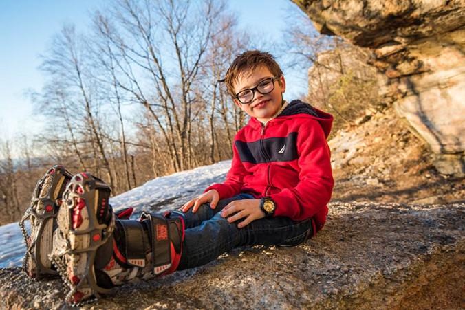 christmas-hiking-in-new-york-minnewaska-state-park-sams-point-17