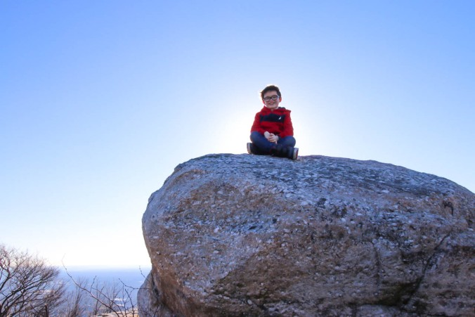 christmas-hiking-in-new-york-minnewaska-state-park-sams-point-8