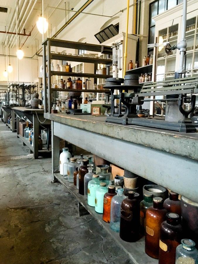 thomas-edison-national-history-park-laboratory-and-home-new-jersey-west-orange-chemistry