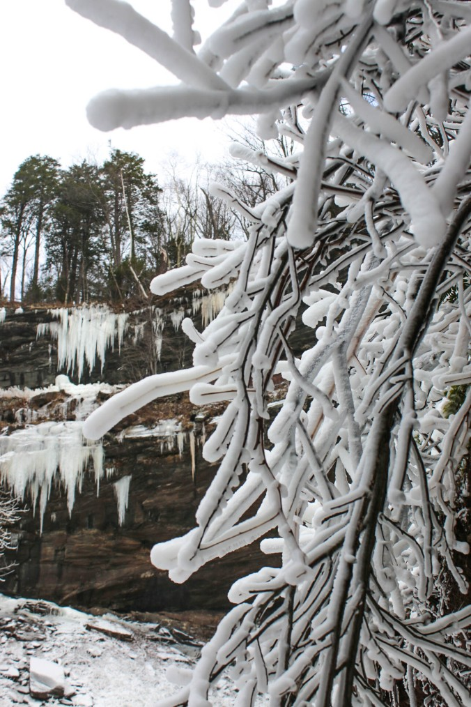 winter-ny-hiking-and-ice-climbing-in-the-catskills-kaaterskill-falls-13