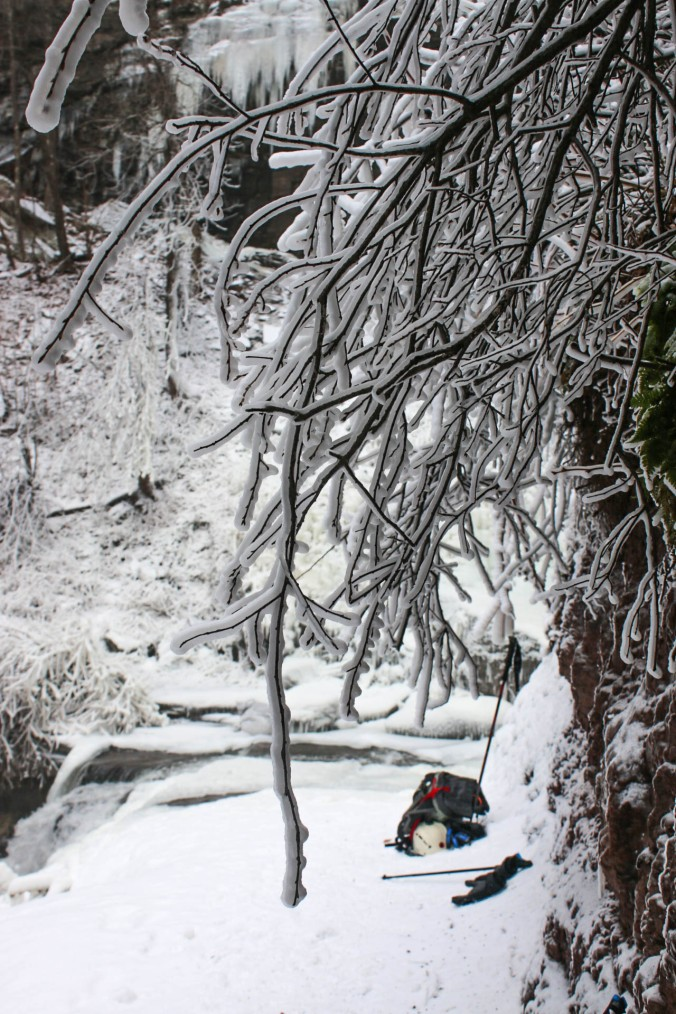 winter-ny-hiking-and-ice-climbing-in-the-catskills-kaaterskill-falls-14