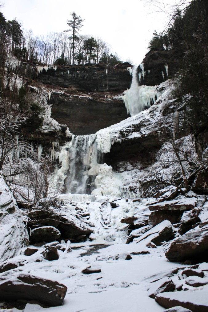 winter-ny-hiking-and-ice-climbing-in-the-catskills-kaaterskill-falls-6