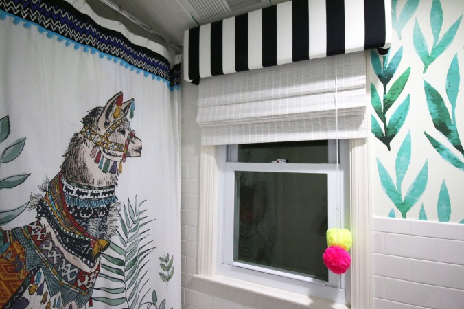 jungalow bohemian style bathroom.jpg curtain