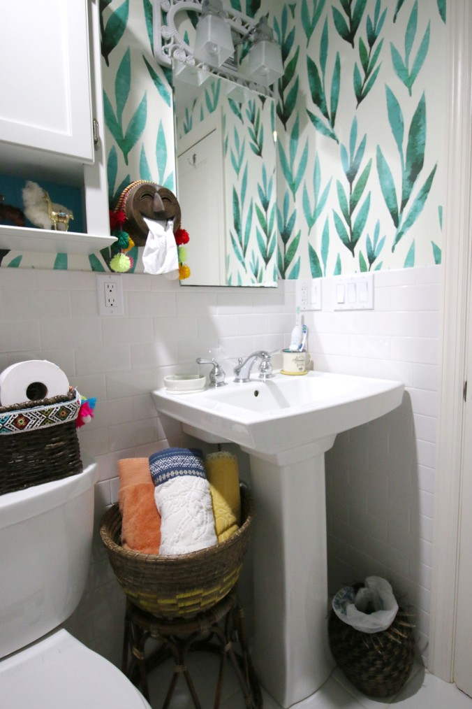 jungalow bohemian style bathroom