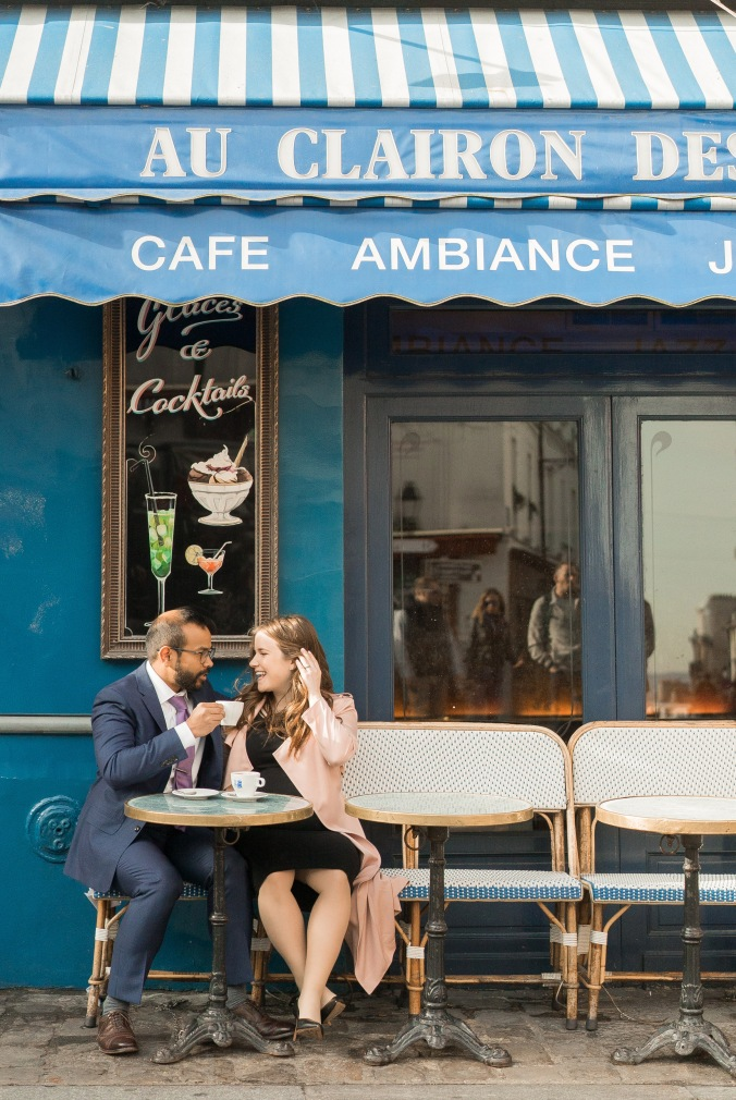 spring babymoon in Paris Cafe in Monmartre maternity April 2018