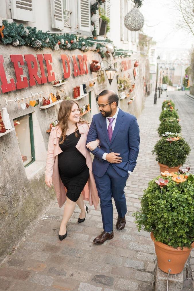 spring babymoon in Paris maternity shoot Montmartre Artist April 2018