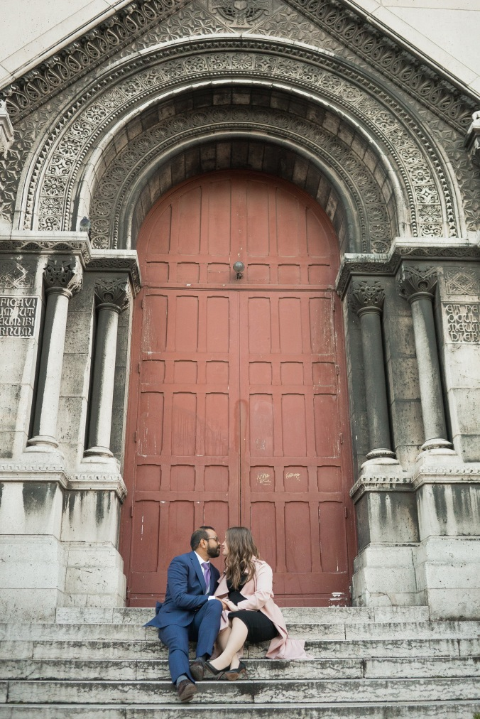 spring babymoon in Paris Sacré-Cœur April 2018 romantic maternity shoot
