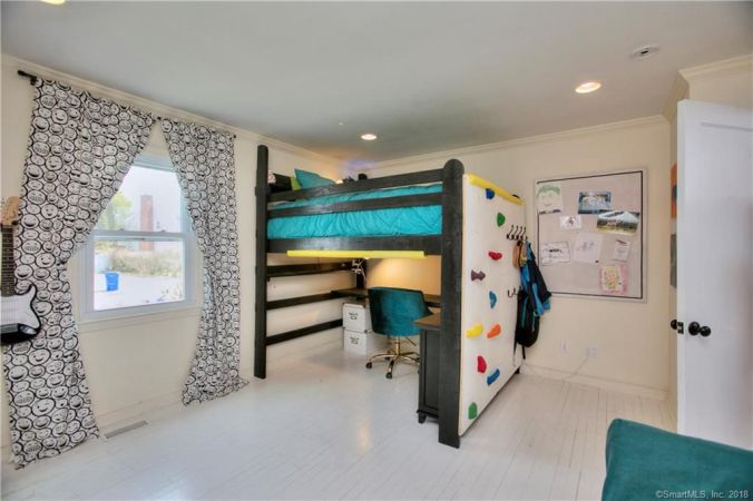 tiny kelsie oreta house after kids room
