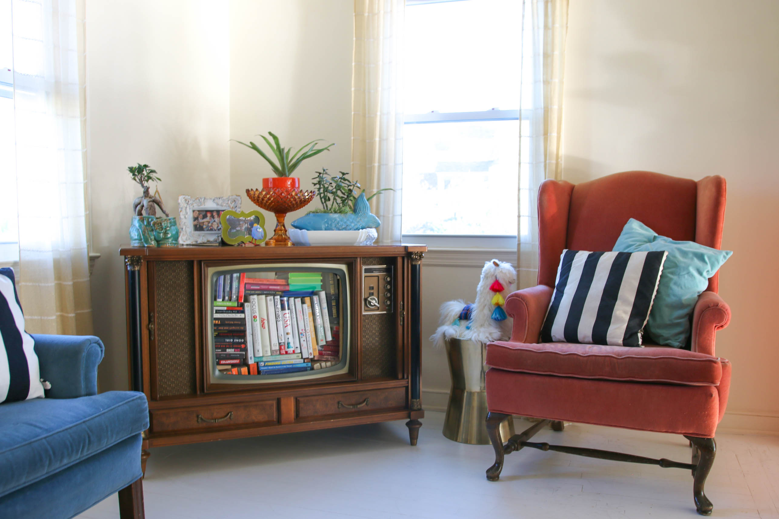 eclectic mid century modern living room-8